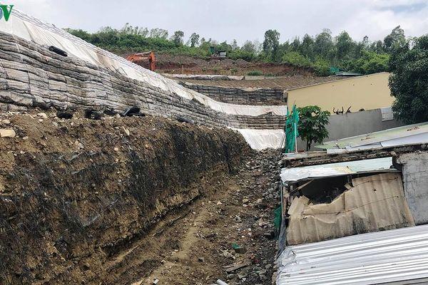 Tháo dỡ xong bức tường chắn xây sai phép ở Khánh Hòa