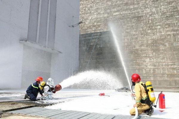Diễn tập phương án chữa cháy tại Nhà máy Thủy điện Lai Châu