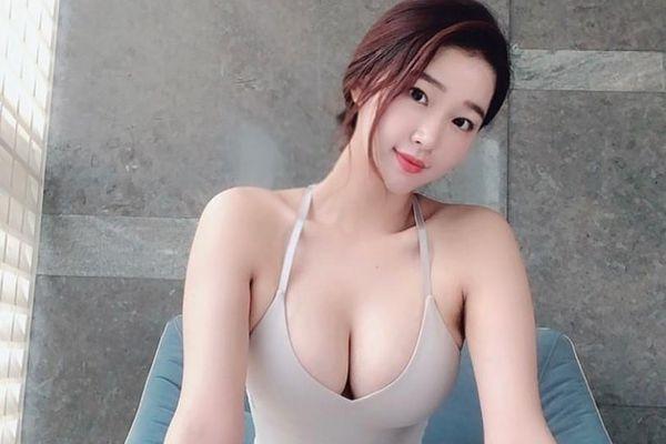 Nhan sắc gợi cảm của Hoa hậu siêu vòng 3 Trung Quốc