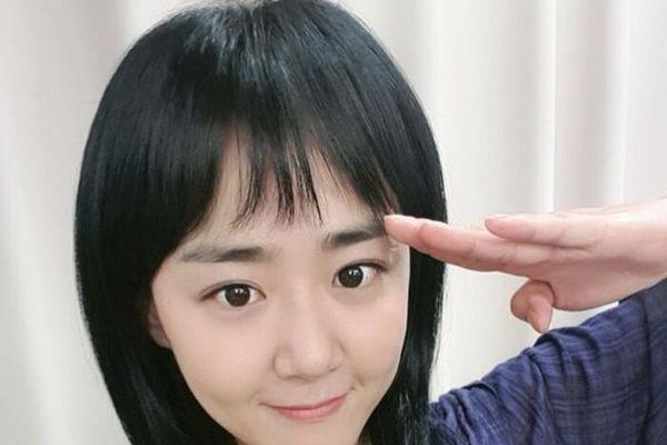 Chanyeol (EXO), Kim Ah Joong nhiệt tình ủng hộ phim của Ji Chang Wook và Moon Geun Young