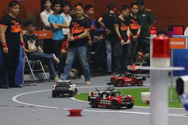 Thi lập trình xe tự hành 'Cuộc đua số 2019-2020'