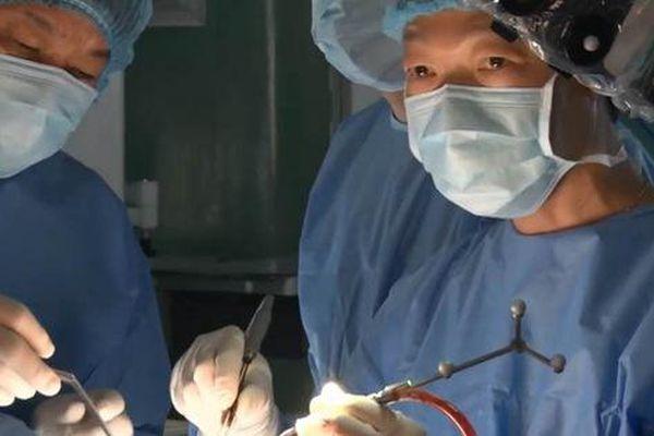'Người máy' chữa ung thư vú và đại trực tràng tại TP HCM