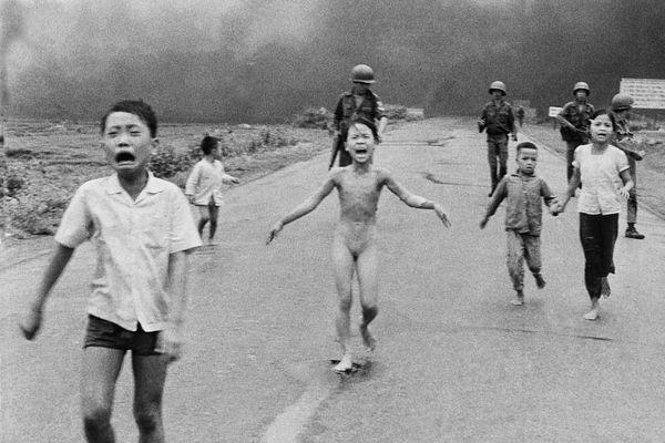 'Em bé napalm' vào top ảnh gây chấn động lịch sử