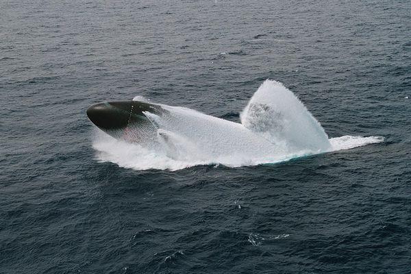 Thảm kịch tàu ngầm Mỹ nổi đột ngột đâm chìm tàu Nhật