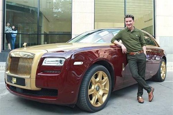 Cận cảnh dàn siêu xe 'khủng' của ca sĩ Đàm Vĩnh Hưng