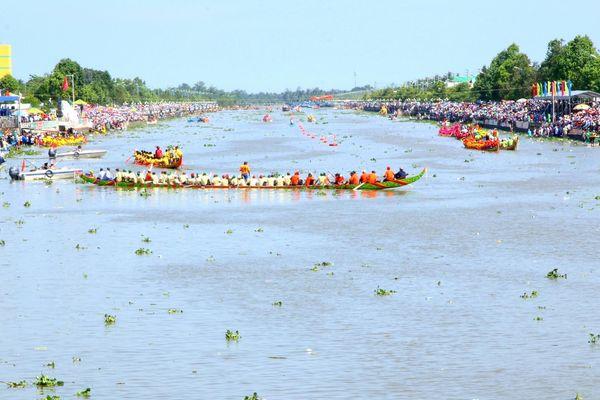 Lễ hội Oóc Om Bóc - Đua ghe Ngo Sóc Trăng năm nay có gì hấp dẫn?