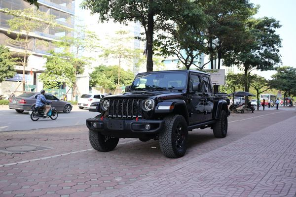Cận cảnh xe Jeep Gladiator Rubicon độc nhất Việt Nam, giá gần 4 tỉ đồng