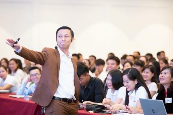 Nguyễn Hữu Lam – từ thầy giáo công nghệ thông tin trở thành chuyên gia Marketing online