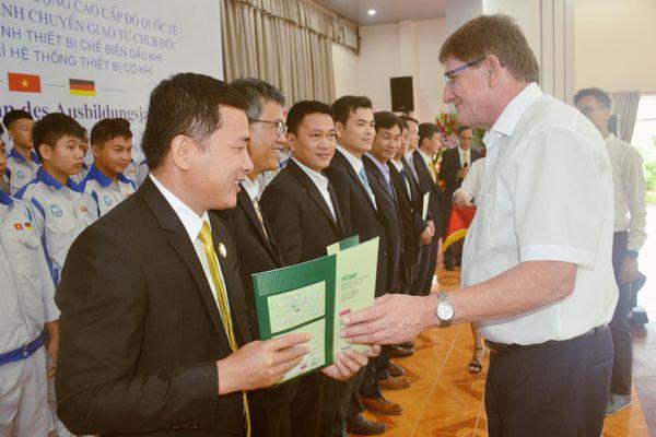 Quảng Ngãi: Khai giảng lớp cao đẳng cấp độ quốc tế chuyển giao từ Cộng hòa liên bang Đức