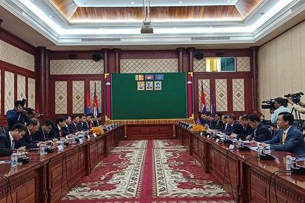 Đoàn công tác Bộ Công an thăm và làm việc tại Campuchia