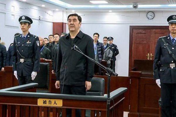 Quan chức năng lượng Trung Quốc bị kết án chung thân vì tham nhũng