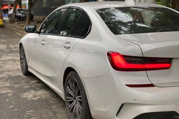 BMW 330i M Sport 2019 'siêu lướt' rẻ hơn 200 triệu so với xe mới