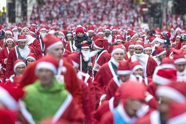 Chùm ảnh 7.000 ông già Noel chạy bộ gây quỹ dịp Giáng sinh