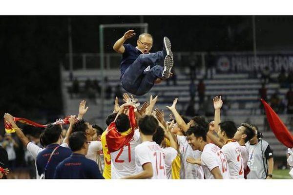 Bóng đá Việt Nam vô địch SEA Games sau 60 năm chờ đợi