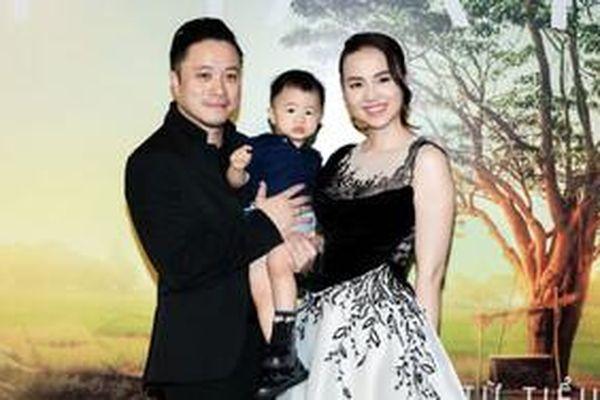 Vẻ đáng yêu của quý tử nhà Đinh Ngọc Diệp - Victor Vũ khiến dân mạng 'đứng ngồi không yên'