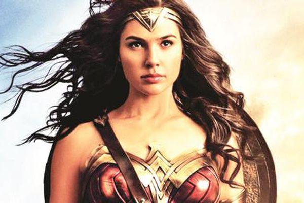 Những nữ siêu anh hùng trên màn ảnh