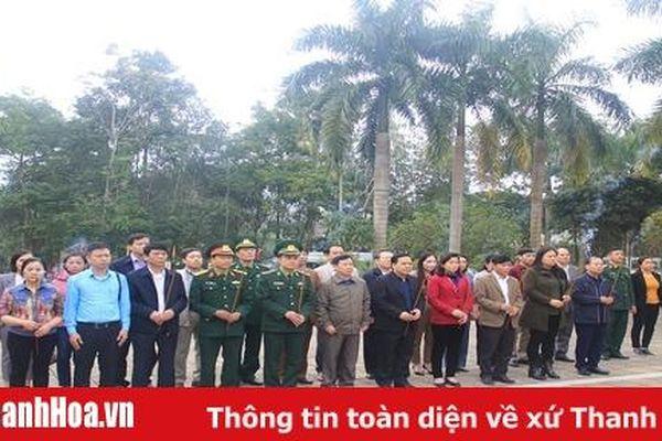 Đoàn đại biểu tỉnh Thanh Hóa viếng các anh hùng liệt sỹ tại tỉnh Hà Giang