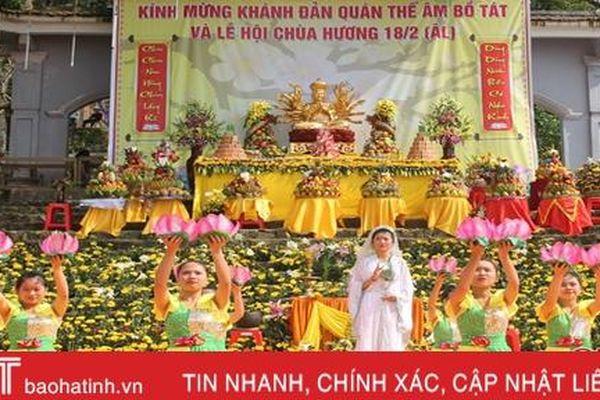 Xã hội hóa sân chơi - cách làm hay ở lễ hội chùa Hương Hà Tĩnh