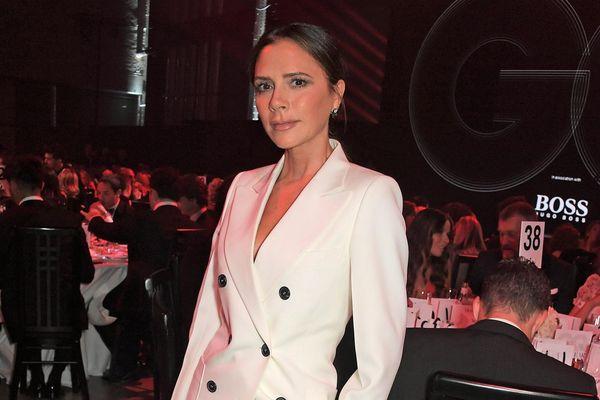 Victoria Beckham và những người nổi tiếng bị phát hiện mặc lại đồ cũ
