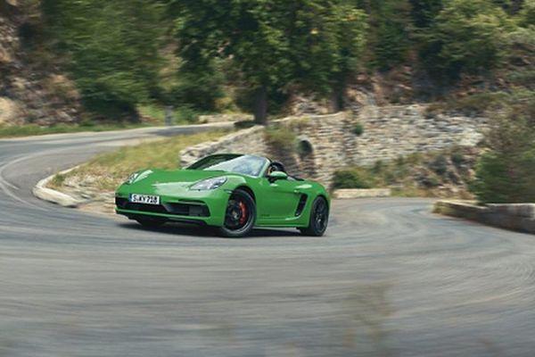 Siêu xe Porsche 718 GTS 4.0 mới từ hơn 2 tỷ đồng