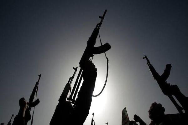 Phiến quân phóng tên lửa vào doanh trại, 60 quân nhân thiệt mạng