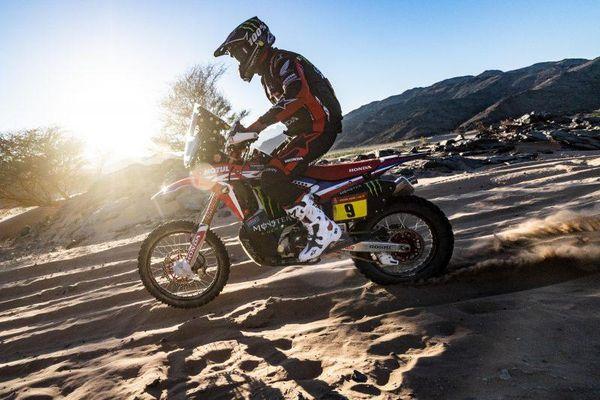 Tay đua của Honda giành chiến thắng, thỏa 'cơn khát' sau 31 năm tại giải Dakar