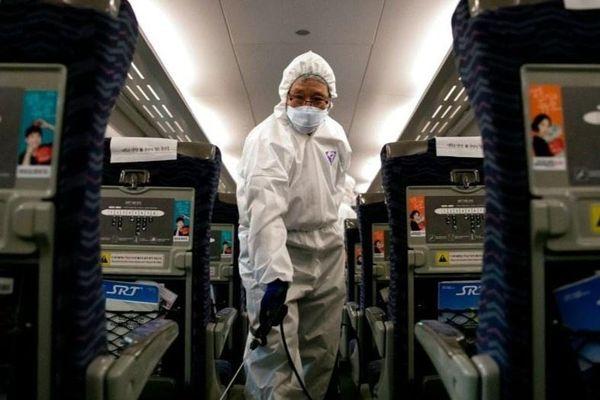 Khách vào Việt Nam bị giám sát chặt để tránh lây nhiễm virus corona