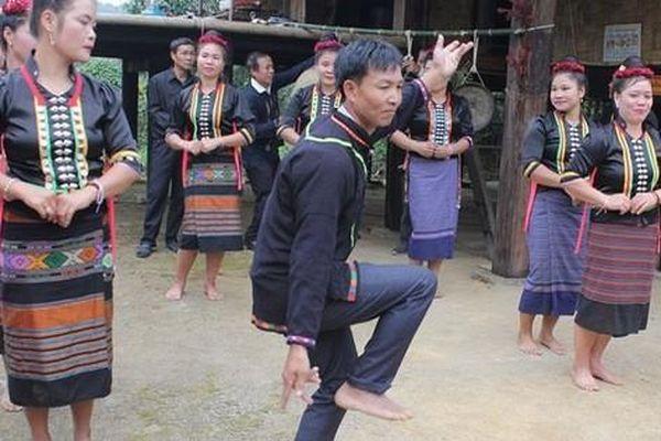 Đến Điện Biên khám phá Tết hoa của đồng bào dân tộc Cống