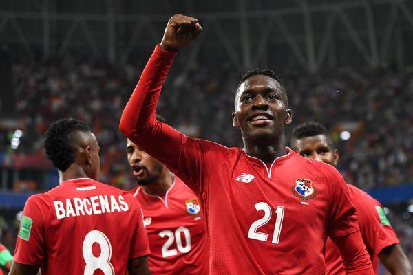 Tuyển Thái Lan đối đầu với đội dự World Cup 2018
