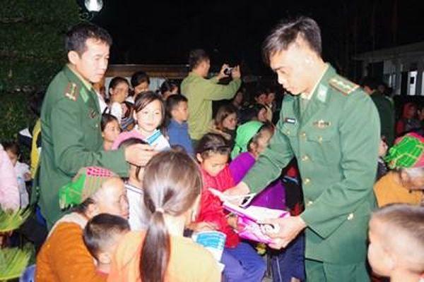 BĐBP Nghệ An tuyên truyền lưu động phòng, chống dịch viêm phổi cấp do virus Corona