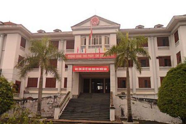 Lào Cai: TAND TP Lào Cai có vi phạm trình tự, thủ tục tố tụng trong xét xử?