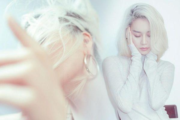 Thiều Bảo Trang phân thân 2 người khác nhau trong MV mới, bật mí mỗi tháng ra mắt một sản phẩm