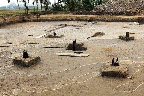 Hải Phòng: Phát hiện 13 cọc gỗ tại xã Lại Xuân huyện Thủy Nguyên