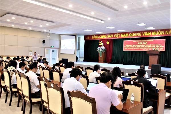 Đảng bộ PC Khánh Hòa đẩy mạnh học tập chuyên đề năm 2020