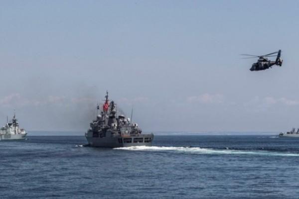 Ankara không cho tàu chiến Nga qua eo biển Bosphorus để vào Syria
