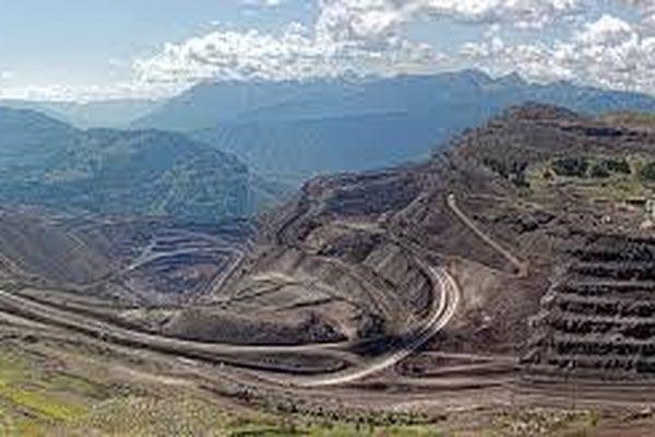 Canada: Thu hồi dự án dầu cát gây tranh cãi