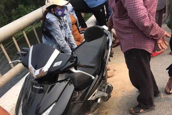 Thanh niên bỏ xe trên cầu đi nhậu, cả trăm người hốt hoảng đi tìm
