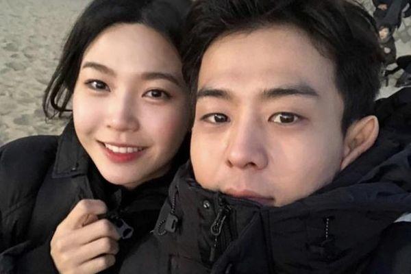 Nghệ sĩ Hàn bị sa thải, nhận phạt vì du lịch với bạn gái và dạy chui