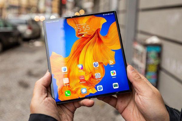 Cận cảnh Huawei Mate Xs - màn hình gập, kết nối nhanh hơn