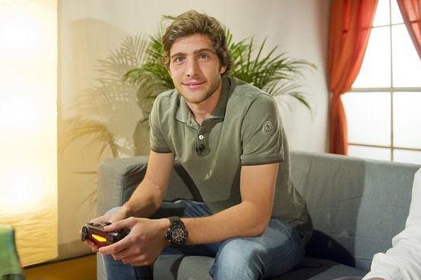 Cầu thủ tại La Liga gây quỹ chống dịch theo cách mới lạ