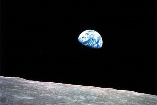 Bức ảnh chụp Trái Đất 50 năm trước của NASA được tạo ra như thế nào?