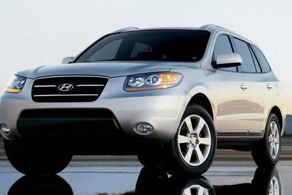 Những mẫu xe tiền tỷ giảm giá còn dưới 500 triệu đồng sau 10 năm sử dụng