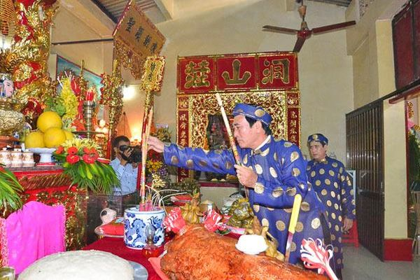 Lễ giỗ Tổ Hùng Vương tại TP. Vũng Tàu: Giữ lễ, dừng hội