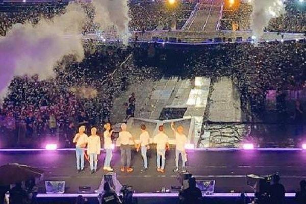 ARMY Việt rưng rưng nhớ lại concert cuối của BTS World Tour 'Love Yourself' ở Bangkok