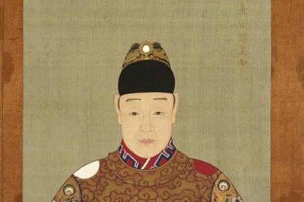 Bí mật ít biết về vị hoàng đế duy nhất không biết chữ