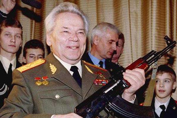 Vũ khí đầu tiên của nhà thiết kế súng huyền thoại Mikhail Kalashnikov