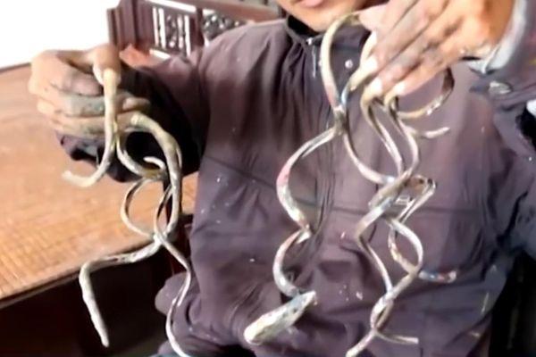 Dị nhân 35 năm không cắt móng tay ở Nam Định