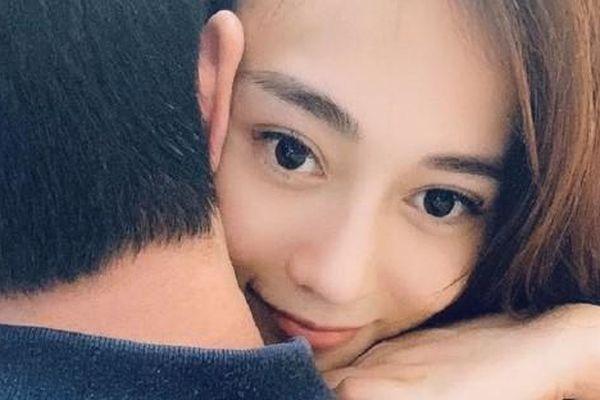 Chuyện showbiz: Phương Oanh khoe ảnh 'khóa môi' bạn trai doanh nhân