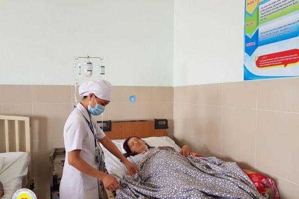 Kỳ lạ bệnh nhân có máu đục như sữa