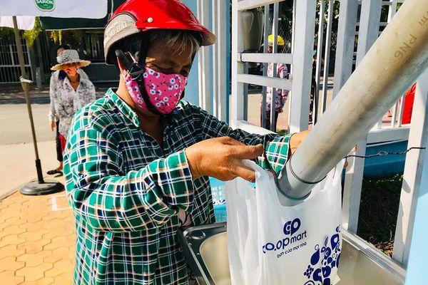 Bình Thuận khởi động 'ATM gạo' cho người khó khăn